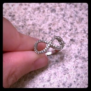 Francesca size 6 sparkly silver infinity ring